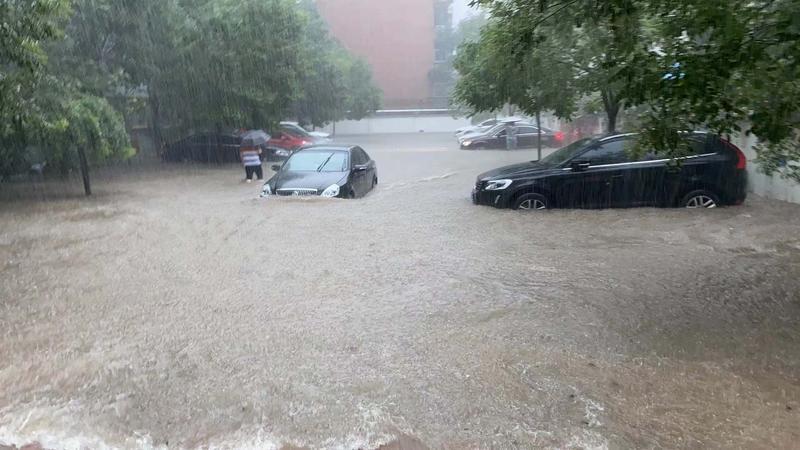 停车场被淹.jpg